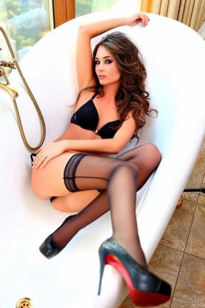 Luton escorts - hot London model